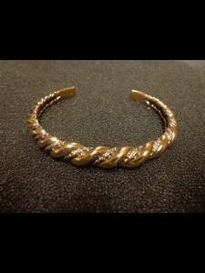 http://www.forvikingsonly.nu/245-454-thickbox/arm-ring.jpg