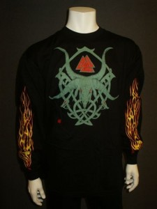 http://www.forvikingsonly.nu/53-208-thickbox/t-shirt-horn-tribal.jpg
